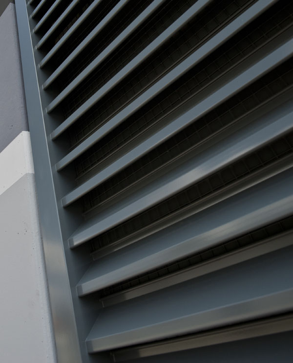 Wetterschutzgitter für BHKW Betonraumzelle