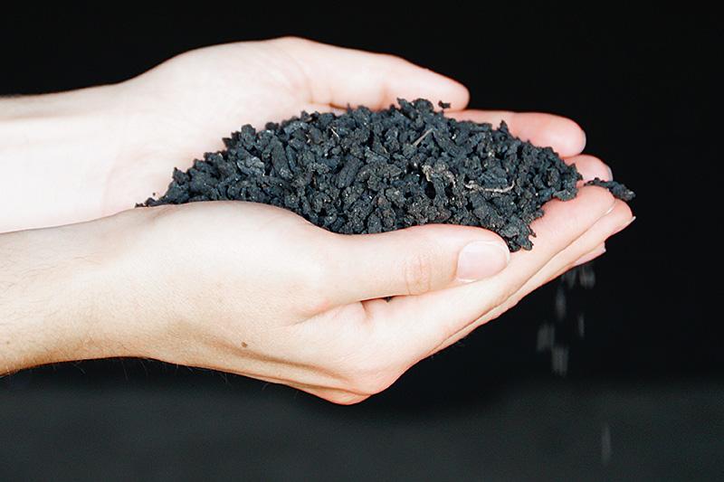 Getrockneter Klärschlamm ist geruchsneutral und hygienisch unbedenklich.